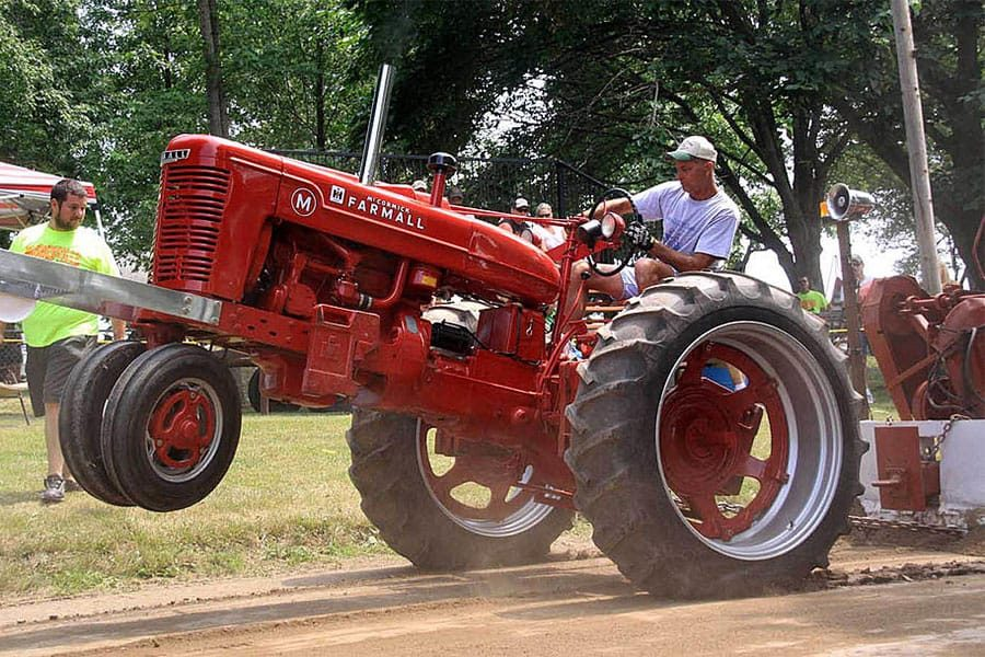 classic-tractor-pull